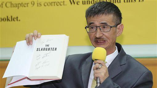 吳祥輝召開記者會說明屠殺一書作家吳祥輝(圖)4日召開記者會表示,他已取得作者伊森.葛特曼(Ethan Gutmann)授權出版「屠殺」一書中文版,對於器官移植的部分,事關台灣在國際人權上所扮演的角色,不是為了選舉。中央社記者張皓安攝 107年9月4日