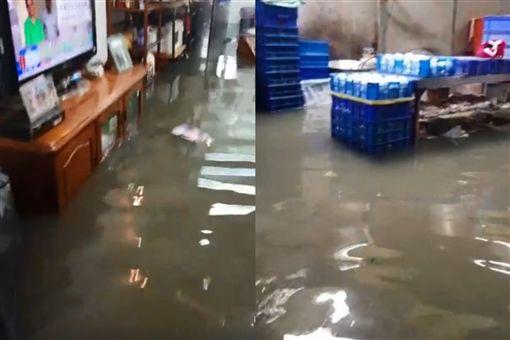 淹水噩夢重演…台南雨下不到十分鐘 水灌民宅「及膝難行」圖翻攝自林燕祝臉書