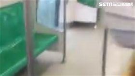 高雄,大雨,大雨灌進高雄捷運青埔站(圖/翻攝自岡山人臉書)