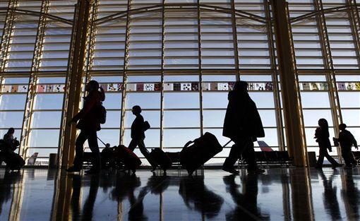 機場,安檢,托盤(圖/翻攝自推特)