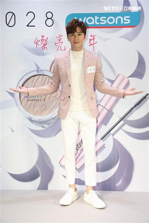 李國毅出席彩妝活動