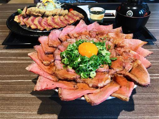 丼fun 炸牛排(記者郭奕均攝影)