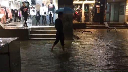 東區淹水(圖/翻攝畫面)