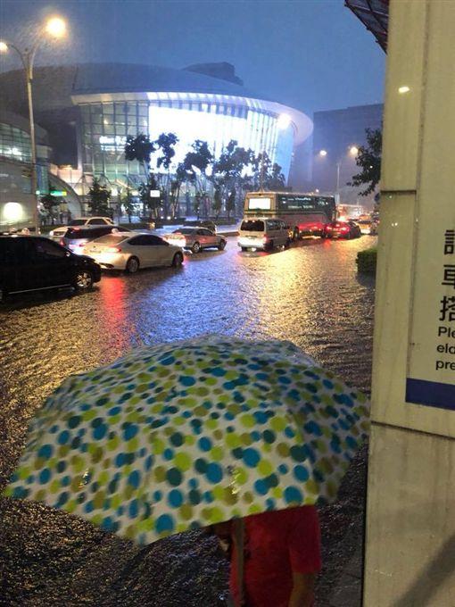 台北市,小巨蛋,積水,暴雨