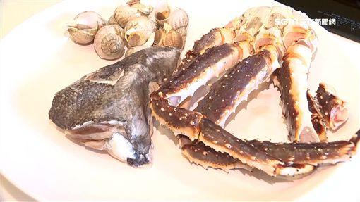 瘋烤海鮮!魚下巴、海螺、蟹腳這樣烤SOT魚下巴,海螺,鱈場蟹腳