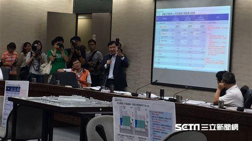 吳音寧出席雙首長會討論第一果菜市場改建案 盧冠妃攝