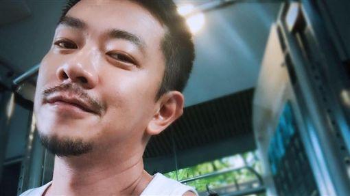 鄉土劇男星江俊翰因持有毒品遭到逮捕(翻攝臉書)