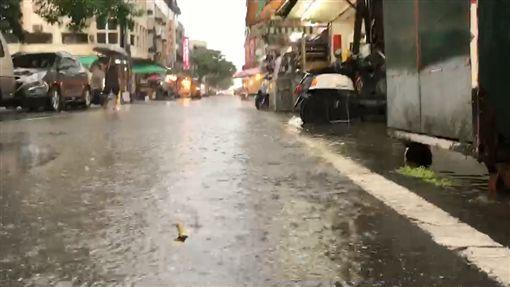 大雨,台東,積水(圖/翻攝畫面)