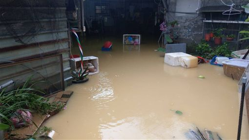大雨,基隆,淹水(圖/翻攝畫面)