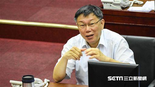 台北市長柯文哲出席市議會市政報告,遭議員杯葛。 (圖/記者林敬旻攝)