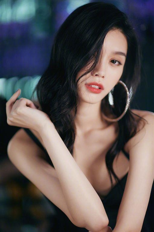奚夢瑤 維密天使圖/翻攝自奚夢瑤微博