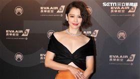 29屆金曲獎星光大道徐若瑄。(記者邱榮吉/攝影)
