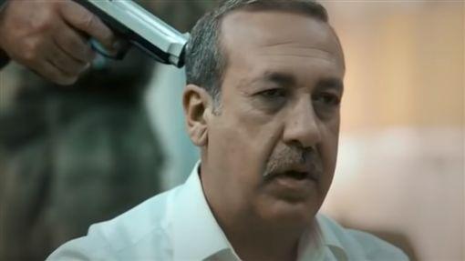 「拍片」槍決總統 導演被判入獄6年Ali Avci,政變,埃爾多安翻攝自推特https://youtu.be/yPHT71GKq-M