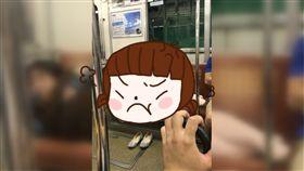 日本,電車,座位,佔位,橫躺,絕對領域,同理心,櫻花妹,橫躺,大媽 圖/翻攝自推特 https://goo.gl/rK8f84