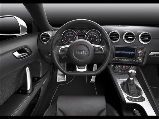 Audi開始取消手排變速箱。(圖/翻攝Audi網站)