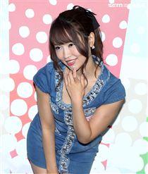 日本AV女優「絕對美少女」愛華美玲。(記者邱榮吉/攝影)
