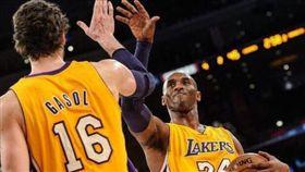 Pau Gasol與Kobe Bryant(圖/取自Gasol個人IG)