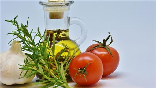 薑黃、番茄保護男人第一腺!(示意圖/翻攝自pixabay)