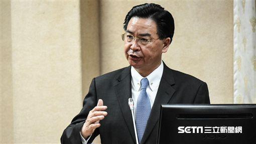外交部長吳釗燮前往立法院國防及外交委員會備詢。 圖/記者林敬旻攝