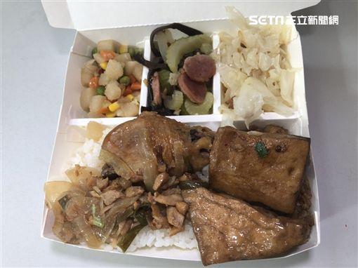 台中市大人食堂佛心賣50元