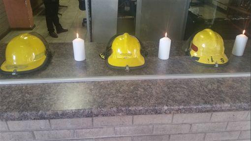 南非消防員墜樓死亡(圖/翻攝自推特@FunzelaZA)