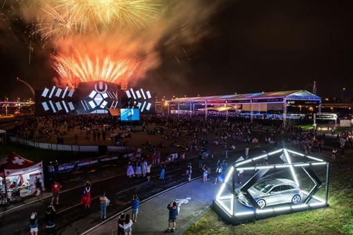 台灣賓士首次跨足贊助國際級電音派對力挺 Ultra Taiwan 2018。(圖/Mercedes-Benz提供)