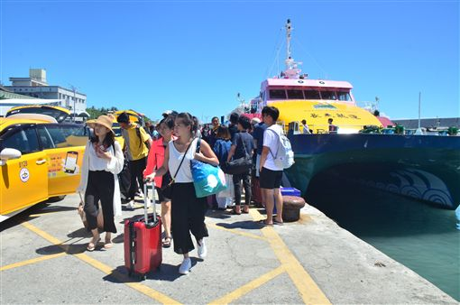 綠島615名旅客疏運返台 台東部分藝文活動取消