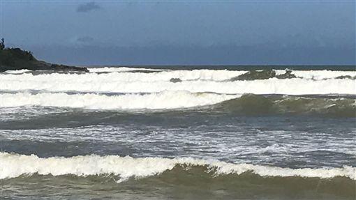 山竹颱風影響恆春現長浪 東琉線15日午後停航