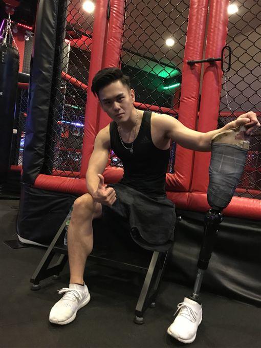 截肢,義肢,健身猛男張登傑(記者郭奕均攝影)