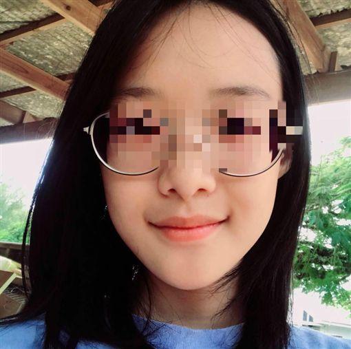 楊偉中愛女換臉書頭貼 一抹微笑令人不捨!憶父:好想爸爸圖翻攝自臉書
