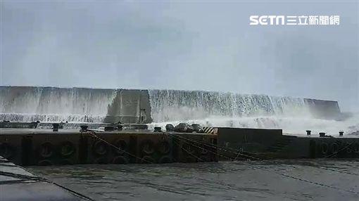 台東,山竹,颱風,巨浪,富岡漁港(圖/記者 張硯卿攝)