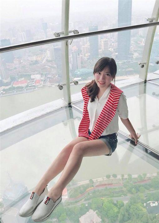 陪吃主播蔡尚樺到中央大學演講 人氣超旺 圖/翻攝自臉書