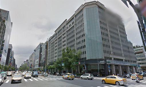 東區Apple維修中心爆詐欺,零件全使用大陸仿冒品。(圖/翻攝Google Map)