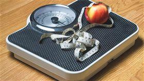 量體重,減肥,體重計,減重,瘦身,體重管理,圖/翻攝自Pixabay