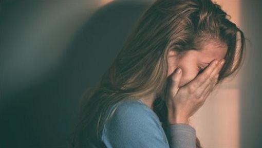 悲傷、哭泣、憂鬱(圖/翻攝自Pixabay)