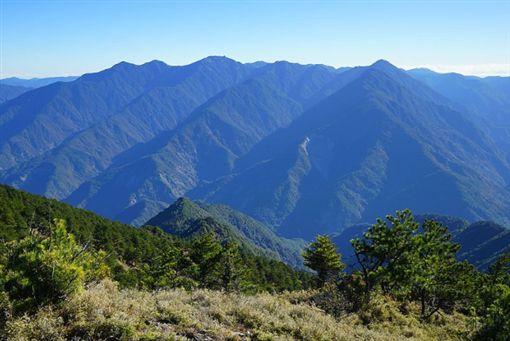 資深山友懷疑,葉男可能是搞錯無雙山三角點才求救,為了把剩下路程爬完又落跑。(圖/翻攝維基百科)
