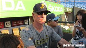 ▲中信兄弟由投手教練Scott Budner(伯納)代理總教練職務。(圖/記者蕭保祥攝影)