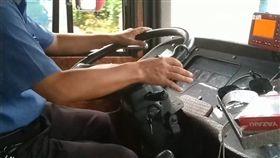 客運遭罰40萬不怕 司機吐白沫仍遭逼上工