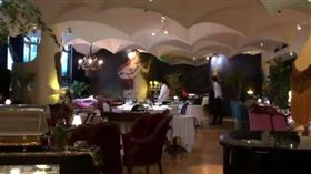 西郊5號餐廳外觀及內部。(圖/翻攝微博)
