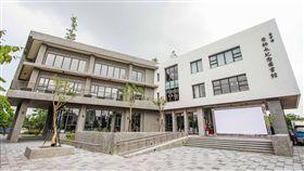 中市李科永圖書館落成 黎明自救會場外抗議