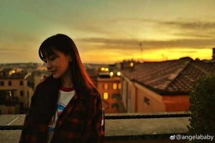 Angelababy,小海綿,羅馬,偶遇/翻攝自Angelababy微博