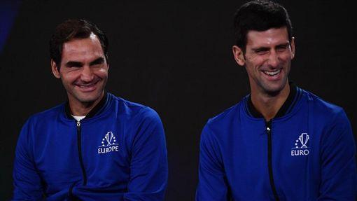 Roger Federer與Novak Djokovic(圖/取自拉沃盃官方推特)