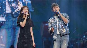 吳謹言 擔任 張杰 杭州演唱會嘉賓。(翻攝微博)