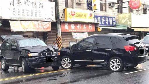 嘉義,車禍,三寶,BMWX5,爆料公社(圖/翻攝爆料公社)