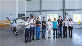 蔡英文總統24日前往台東參訪「安捷飛航訓練中心」。(圖/總統府提供)