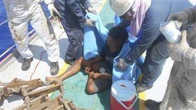 印尼版少年Pi!漂到關島 19歲男海上漂流49天獲救 圖/翻攝自印尼駐大阪領事館臉書