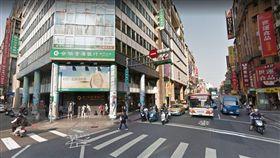 台北,萬華,行乞,乞討,老婦(圖/翻攝自Googlemap)