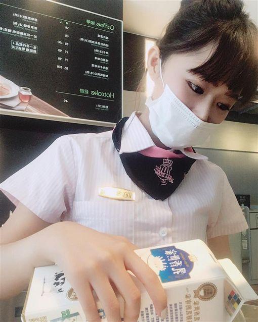 徐薇涵,海豚,麥當勞女神,/翻攝自徐薇涵臉書 ID-1558281