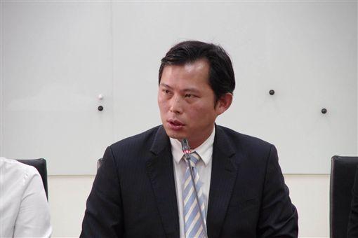 黃國昌,林昶佐 圖/時代力量提供