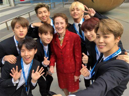 「防彈少年團」以全球青年代表身分到聯合國演說。(翻攝推特)